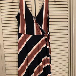Midi stripped wrap dress